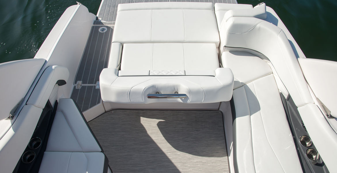 Regal 26 FasDeck