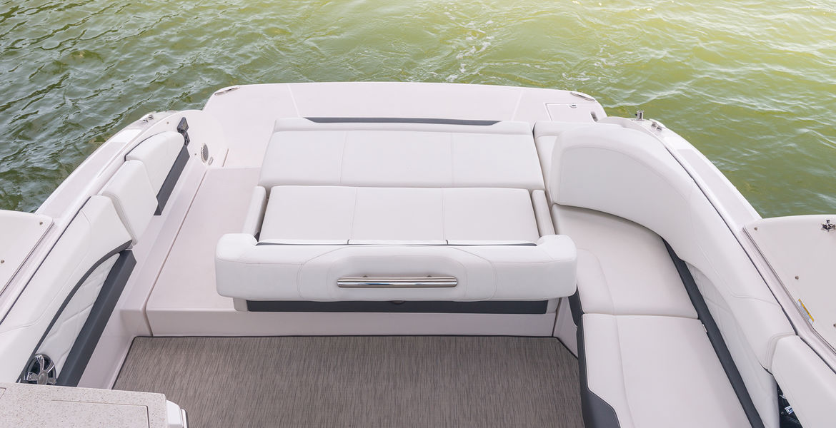 Regal 3300 Bowrider PREMIERA